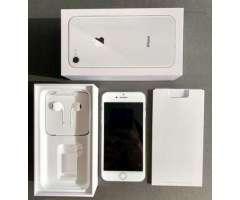 IPhone 8. 64 gb - Ñuñoa