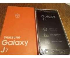 Celular Samsung J7 - Maipú