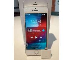 Iphone SE 64Gb Semi nuevo y completo + regalo - Santiago