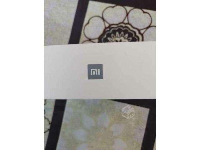 Xiaomi mi a1 4/64gb más mi band 3 - Pudahuel