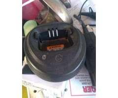 Radio Motorola ep450s con cargador - Arica